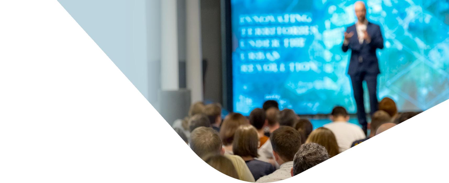 Bienvenue à l'EACim Académie Européenne d'Implantologie Céramique, pour partager son savoir-faire en implantologie céramique : formations, documenthèque scientifique...